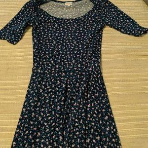 Dresses & Skirts - Xs lularoe Nicole